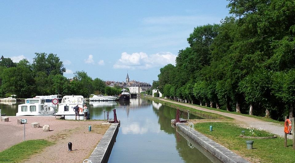 Canal du Nivernais à Chatillon en Bazois